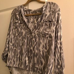 YFB Small Gray/White Blouse Excellent condition